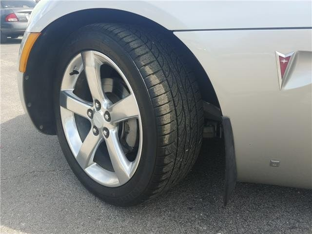 Pre-Owned 2006 Pontiac Solstice Base