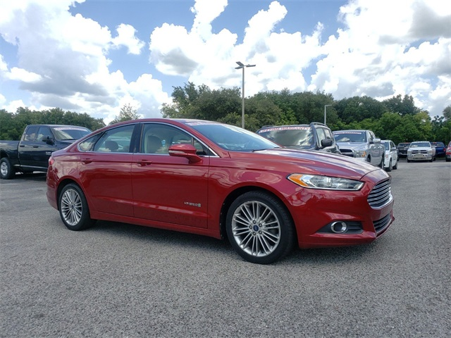 Pre-Owned 2013 Ford Fusion Hybrid SE